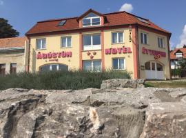 Agoston Hotel, hotel in Pécs