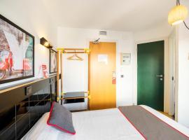 Hostal Athenas, hotel in Sant Adria de Besos