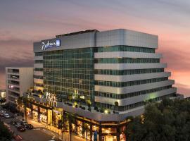 Radisson Blu Hotel, Beirut Verdun, hotel in Beirut