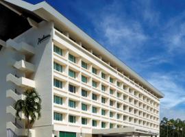 Radisson Hotel Brunei Darussalam, hotel near Brunei International Airport - BWN, Bandar Seri Begawan
