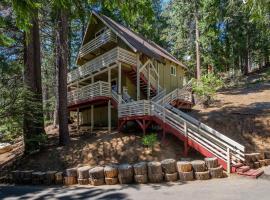 Cozy Hideaway B, hotel in Yosemite West