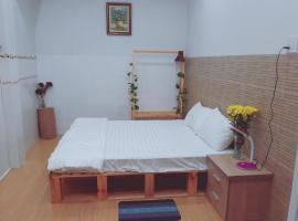 Alice's House- Sunflower Homestay, self catering accommodation in Can Tho