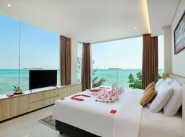 Royal Ocean View Beach Resort, hotel in Karimunjawa
