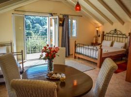 Tramonto Maisonettes & Suites, hotel in Parga