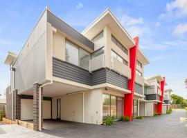 Phillip Island Townhouses, apartment in Cowes