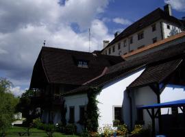 Penzion U Tkadlen, hotel in Jindřichŭv Hradec