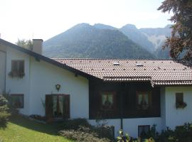 Tonihof Eschenlohe, hotel near Labergbergbahn, Eschenlohe