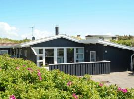 Three-Bedroom Holiday home in Vejers Strand 7, vacation rental in Vejers Strand