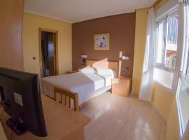 Hostal Meseguer, hotel near Alicante Airport - ALC,