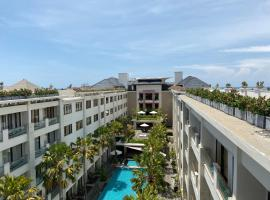 Stylish 2 Bedroom Penthouse Apt, Pool, Gym, Resto, apartment in Kuta