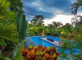 Heliconias Nature Lodge, hotel en Fortuna