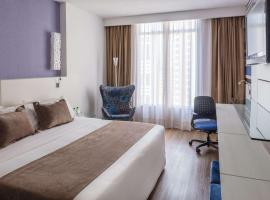 Radisson Hotel Curitiba, hotel with pools in Curitiba