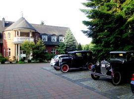 Hotel und Restaurant Waldschlösschen, hotel near Museum Schwerin, Crivitz