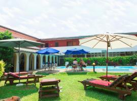 Ranveli Beach Resort, hotel in Mount Lavinia