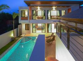 JC Pool Villa Phuket, villa in Rawai Beach
