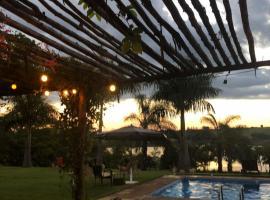 Condomínio chácara sítio caju, pet-friendly hotel in Delfinópolis