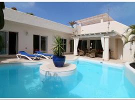Mi casa su casa, hotel en La Oliva