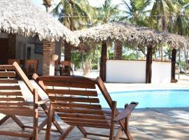 Velho Bateau, hotel with pools in Atins