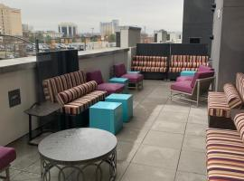 Home2 Suites By Hilton Charlotte Uptown, hotel in Charlotte