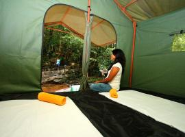 Paddy Field Camping, luxury tent in Kitulgala