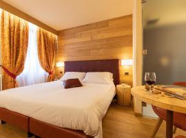 Hotel Petit Tournalin, hotel near MonterosaSPA, Champoluc