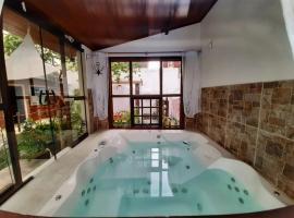 Pousada Hosp Cantinho de Minas, guest house in Cabo Frio