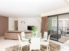 Carlton Riviera: Luxury 2 beds/ 2 baths