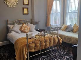 Waverley Inn, hotel in Newport