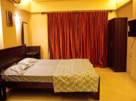 Bandra West with breakfast (Royal room), self catering accommodation in Mumbai
