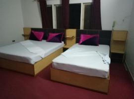 Rehaish Inn Model Colony, hotel near Jinnah International Airport - KHI,