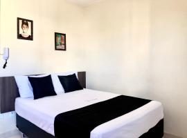 Paris Hotel by H Hotéis, pet-friendly hotel in Taguatinga