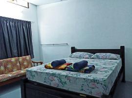 Tony's Guesthouse at Teluk Bahang, hotel near Penang National Park, Batu Ferringhi