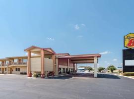 Super 8 by Wyndham Waco/Mall area TX, hotel in Waco