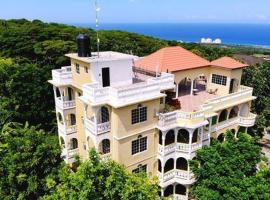 Takuma Boutique Hotel and Villa Suites, hotel en Montego Bay