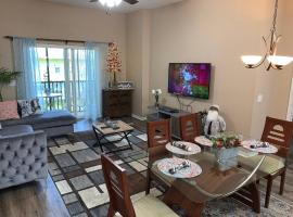 Beautiful 3 Bedroom Apartment minutes from Disney!, apartment in Kissimmee