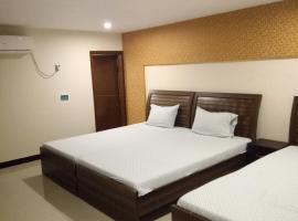 Pearl Inn, отель в Карачи