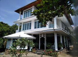 Hikkaduwa Blue Ocean, отель в Хиккадуве
