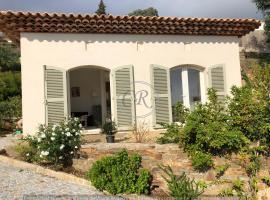 Petite maison T2 avec vue mer - Aiguebelle Le Lavandou, hôtel au Lavandou