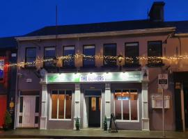 The Bowers Cafe Bar & restaurant, hotel in Ballinrobe
