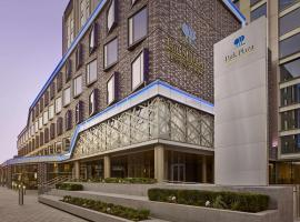 Park Plaza London Waterloo, hotel near Waterloo Station, London