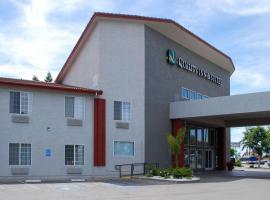 Quality Inn & Suites Fresno Northwest, hotel v destinaci Fresno