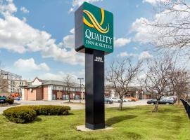 Quality Inn & Suites Toronto West 401-Dixie, hotel a Mississauga