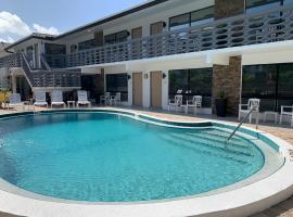 Ocean Villas of Deerfield, hotel near Johns Siding Railroad Station, Deerfield Beach