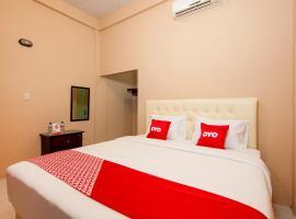 OYO 2069 Wisma Syariah Kampung Baru, hotel in Rantauprapat