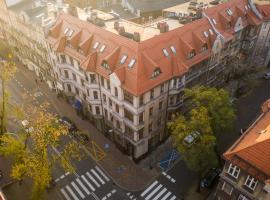 """Aparthotel Hornigold """"W Zielonej Kamienicy"""", apartment in Katowice"""