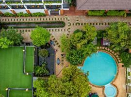 Les Bambous Luxury Hotel, hotel near Cambodian Cultural Village, Siem Reap