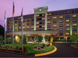 Holiday Inn Charlotte University, hotel in Charlotte