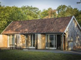 Serene Holiday Home in Haaksbergen with Garden, hotel in Haaksbergen