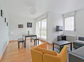 Modern and bright flat in Montevrain, close to Disneyland Paris - Welkeys, hotel in Montévrain