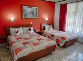 Hotel Arenal Rabfer, hotel cerca de Aguas termales de Kalambu, Fortuna